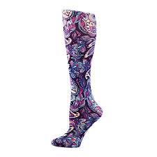 A female wearing a purple designed 15-20mmHg compression sock for prevention of varicose veins in pregnancy.