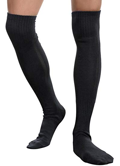 Men wearing a pair of black compression socks of 20-30 mmHg for men