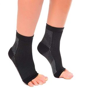 Benefits of compression ankle socks and stockings include arch/heel support and accelerated blood flow to reduce pain and soreness in the feet