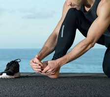 Relief For Pain Caused By Exercise. Advertising says compression sock benefits include everything from plantar fasciitis to circulation and foot pain. Some of these claims are overstated though.