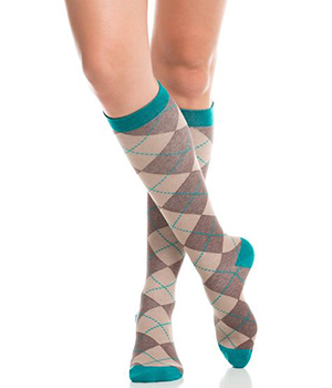 light 15 mmHg to 20 mmHg or 20 mmHg to 30 mmHg knee high compression socks