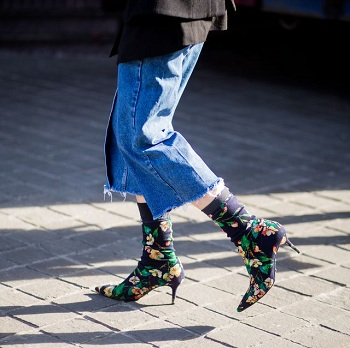 A person is wearing Stylish socks