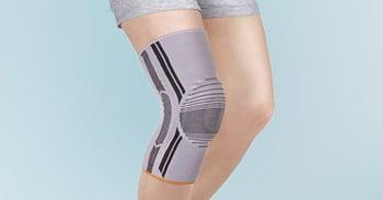 knee sleeves in gray/black