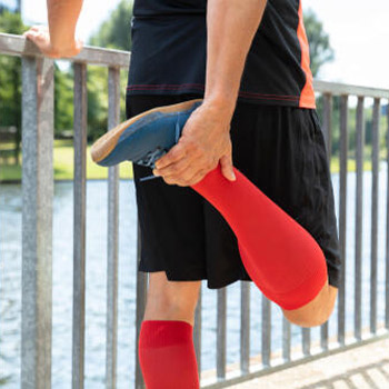 Best Compression Socks for Edema, Man exercise