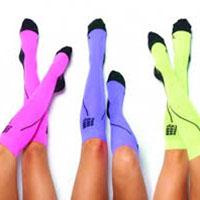 women in knee high support compression socks